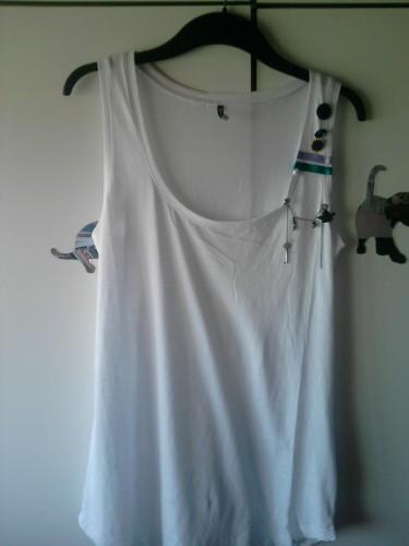CANOTTA,t-shirt,maglia,decorate,personalizzata,buttons,bottoni